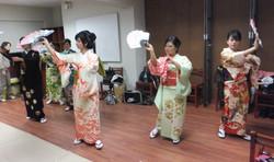 日本舞踊にチャレンジ