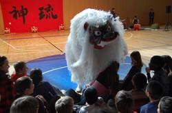 獅子舞スイス
