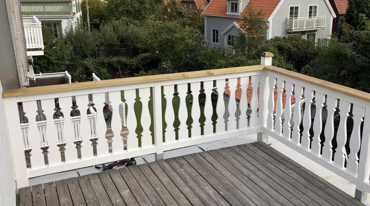 Nytt balkongräcke