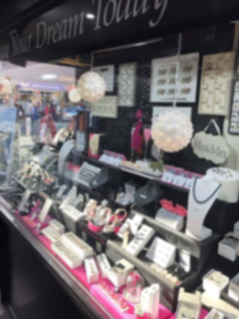 inside phillips jewellers cleveleys weddng ring selection