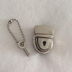 Mama Press Lock w/key