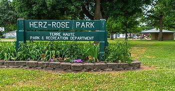 Herz-Rose Park smaller.jpg