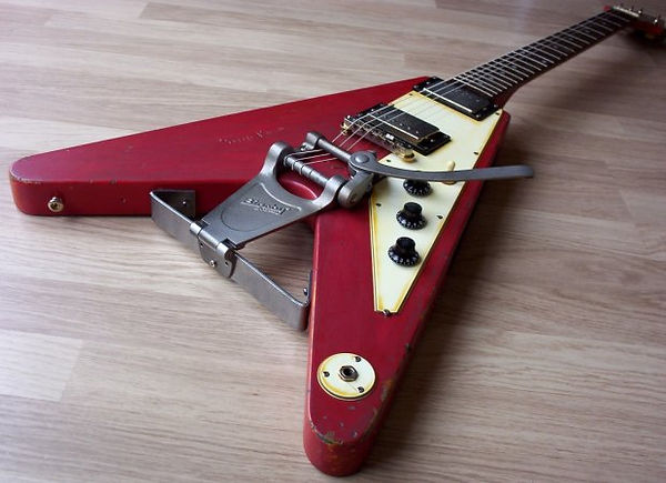#7 re-issue shows the custom hardware used to mount the long Bigsby vibrato.