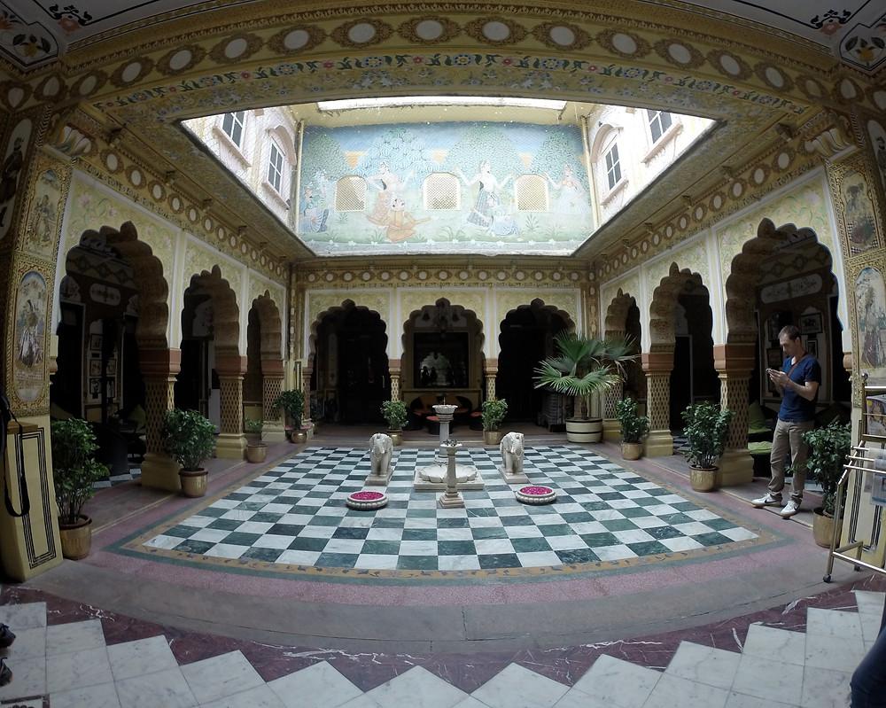 Bissau Palace courtyard