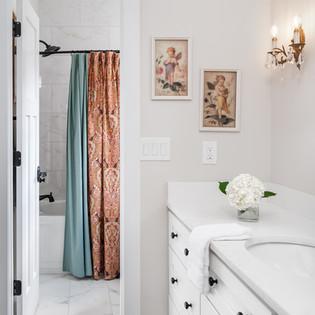 European country house_bathroom.jpg