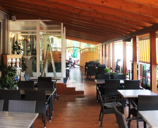 Restaurant_Terasse_.JPG