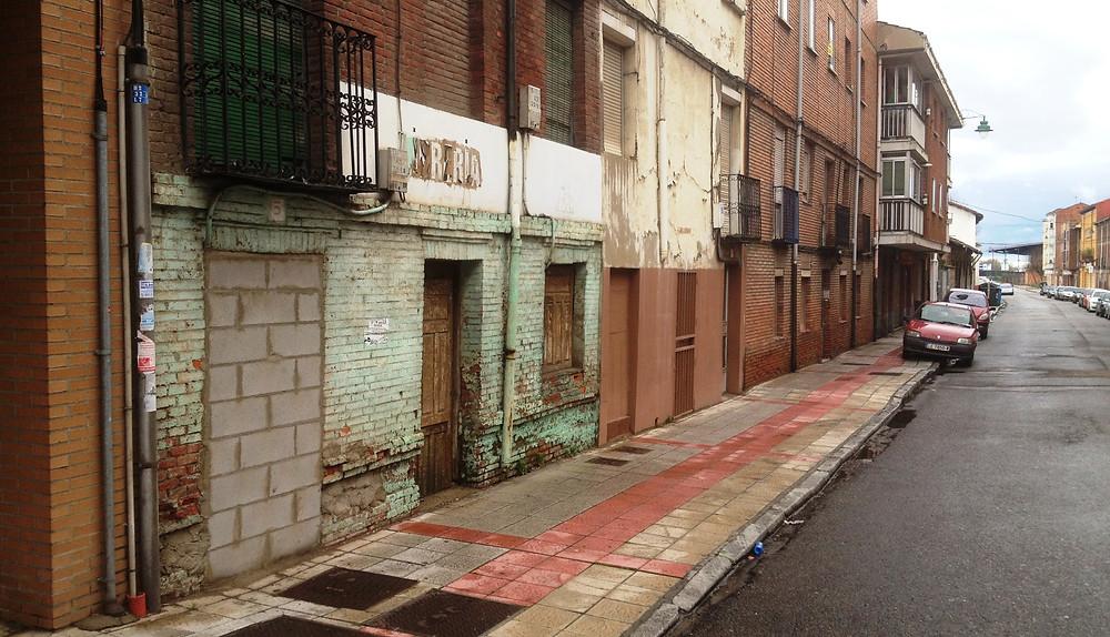 Local donde se ubicaba el bar ´La Montañesa', en el barrio leonés del Crucero.