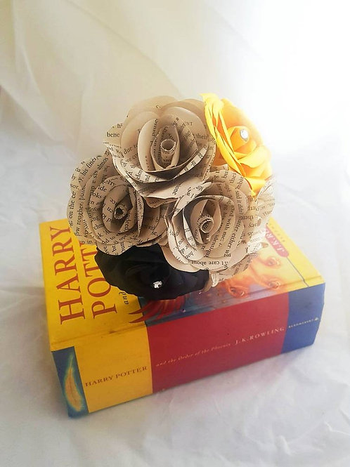 Hufflepuff - Book flowers, Bridesmaid bouquet, Harry Potter wedding