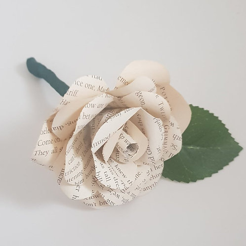 Jasper - Natural looking groom's book buttonhole