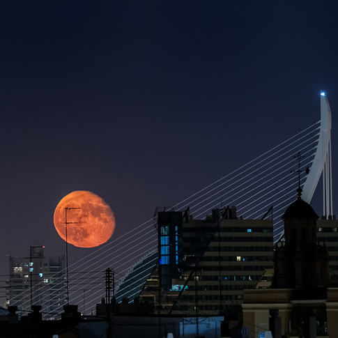 Moon over Valencia