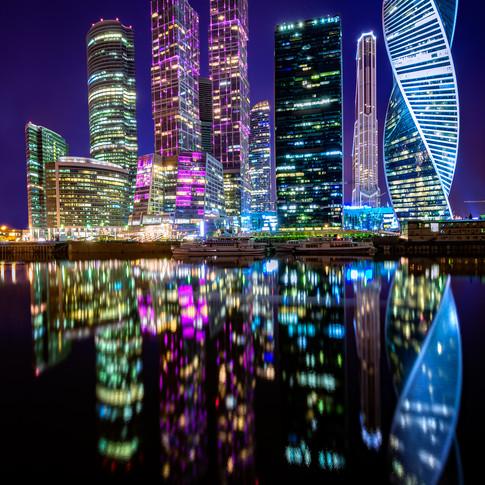 Moscow City  por la noche