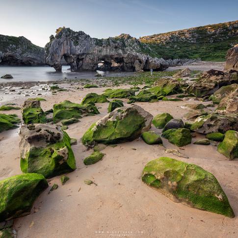 Beach Caves of the Sea