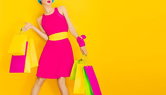 Glamorous Lady Shopping.Time discounts a