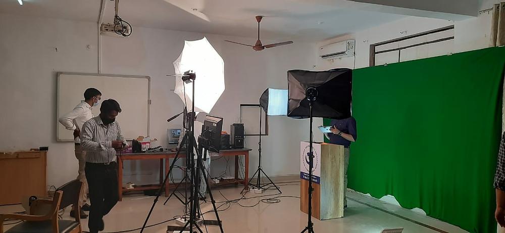 Digital Multimedia Studio for online learning