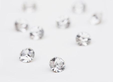 宝石商が伝えたい、ブライダルリングのダイヤモンドを選ぶ時のポイント その3 カラーについて
