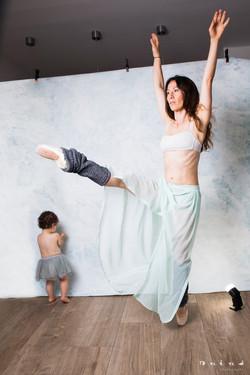 Dance w/ mummy