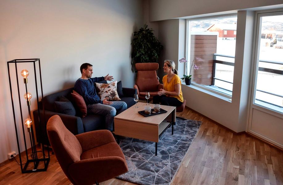 Fagmøbler på Dokka stylet leilighetene på de første visningene.