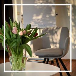Beratungsraum mit Blumen