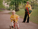 auf dem Dreirad in den 70ern