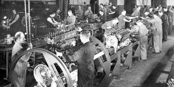 Modelo de produção Fordista. Linha de produção de automóveis no século XIX.