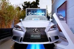 570175623RM039_Lexus_Pop_Up