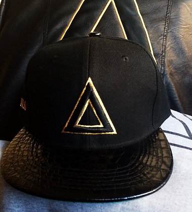 BLK GOLD TRIANGULO (SOLD OUT)