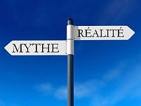 panneau directionnel vers le mythe ou la réalité