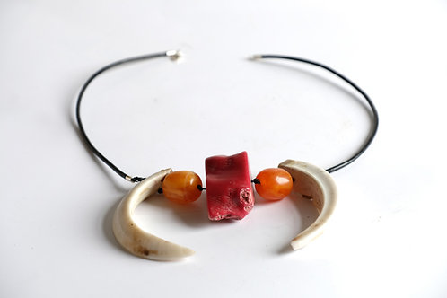 Collar (amber and coral)