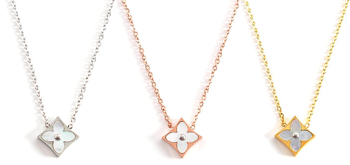 Sofia Seashell Flower Necklace