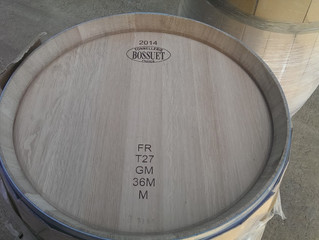 Oak barrels and winemaking