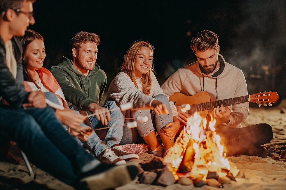 Glamp-Outdoor-Camp-campfire.jpg