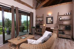 salotto-terrazza-vista-lago-hotel.jpg