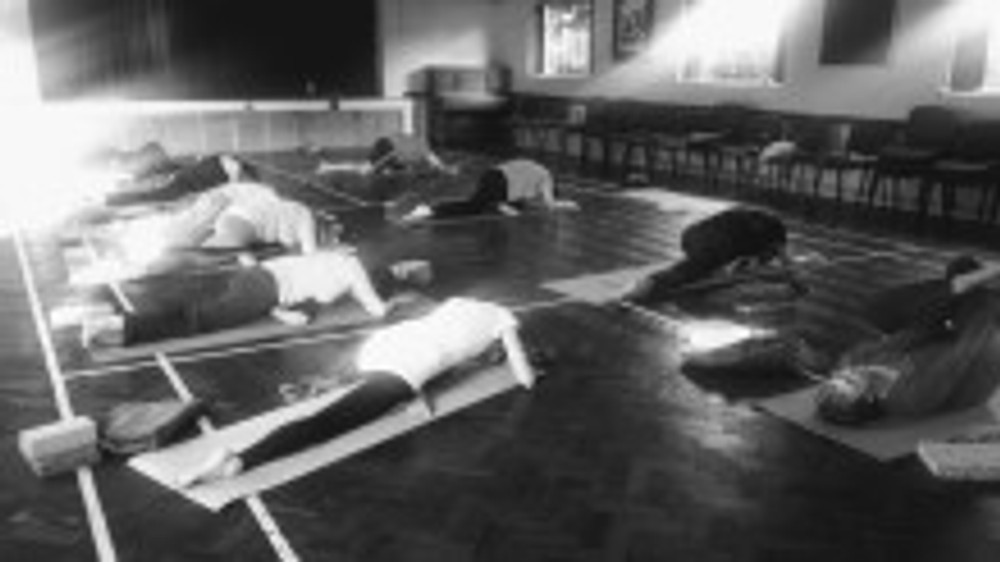 victory hall yoga class weston