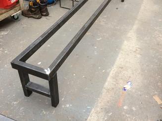 Bar bench