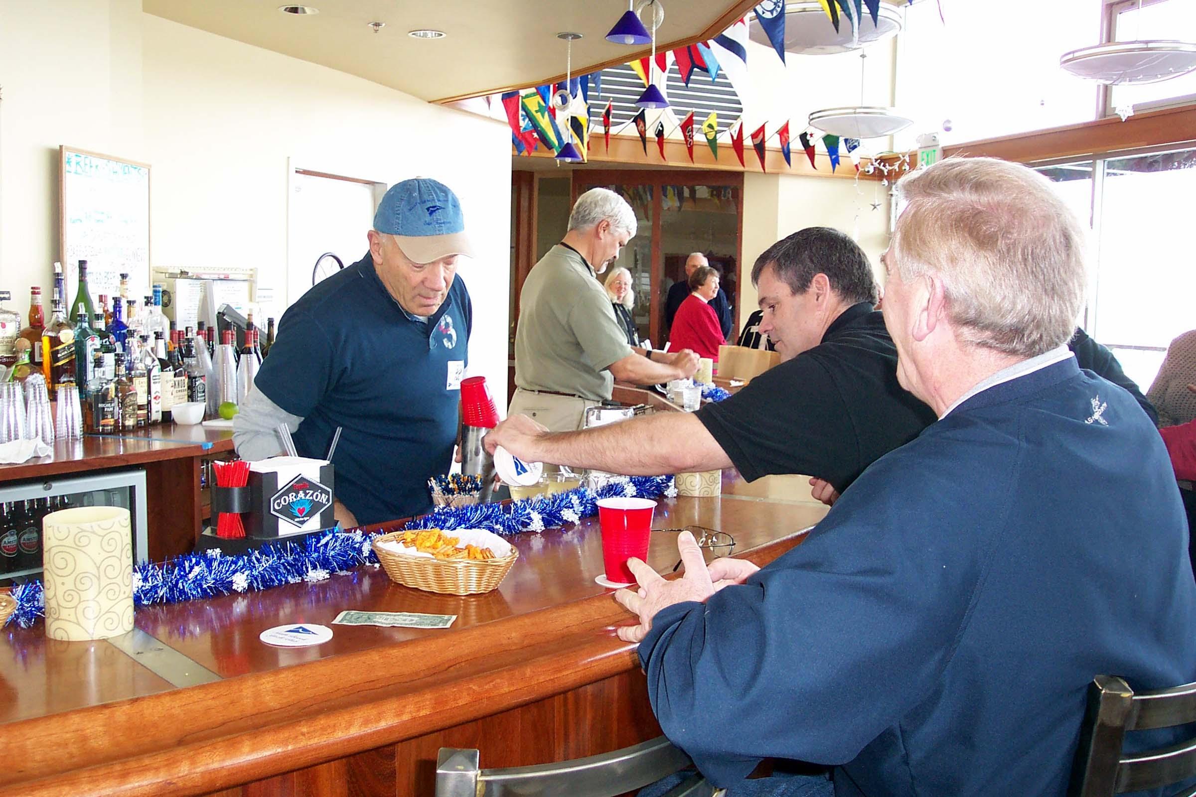 Grand Opening, Bar