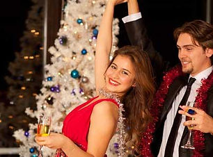 Holiday-Parties-Couple-560x310.jpg_rotat