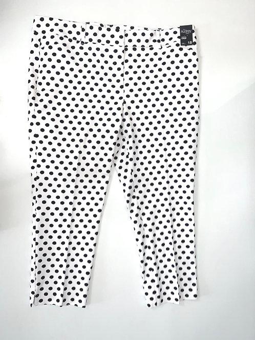 White and black polka dot cropped pants