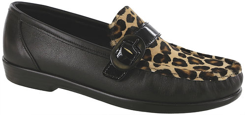 Lara Black Leopard