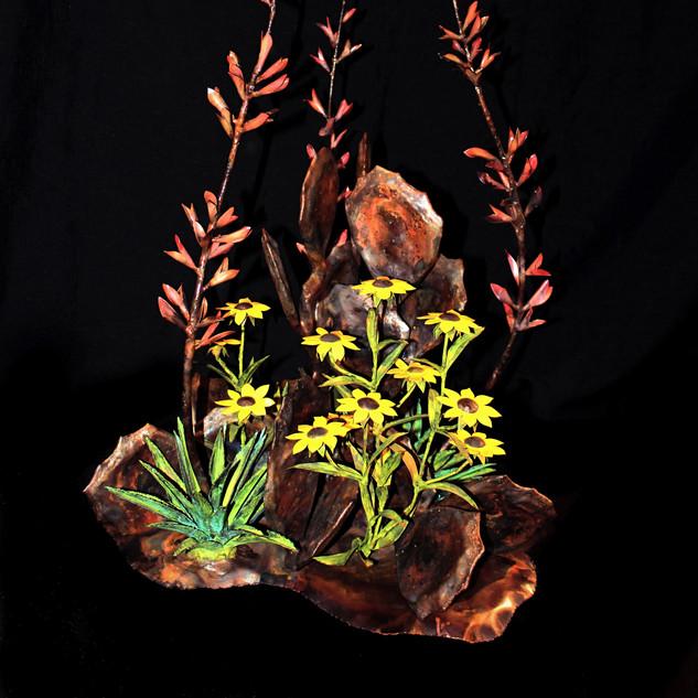 Mex Cactus/3 Bloom Yucca/Sunflowers Centerpiece