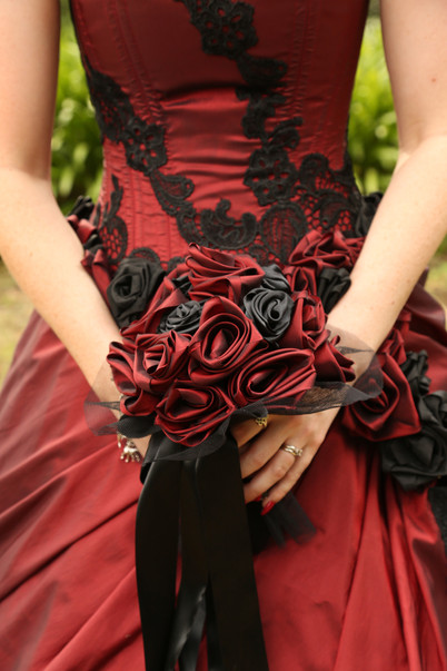 Black and red gothic wedding dress roses