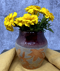 AR-Leaf Vase with flowers.png