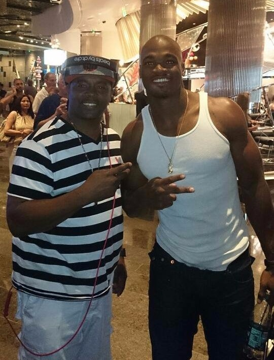 MIKE B N' ADRIAN PETERSON