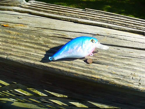 Luckycraft Style Squarebill Crankbait -Blue and White Holographic