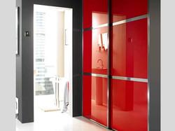Шкаф купе красное стекло