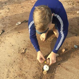 Laying the thumb pots