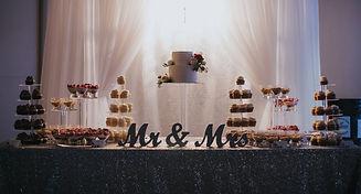 cake table_edited.jpg