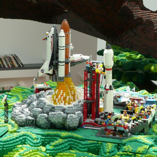 LEGO® House — Tree of Creativity
