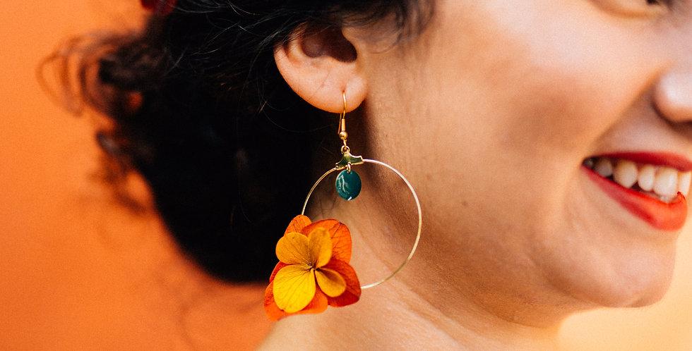 Les boucles d'oreilles BOA de la collection Terra