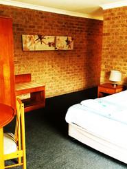 queen-accommodation-huskisson.jpg
