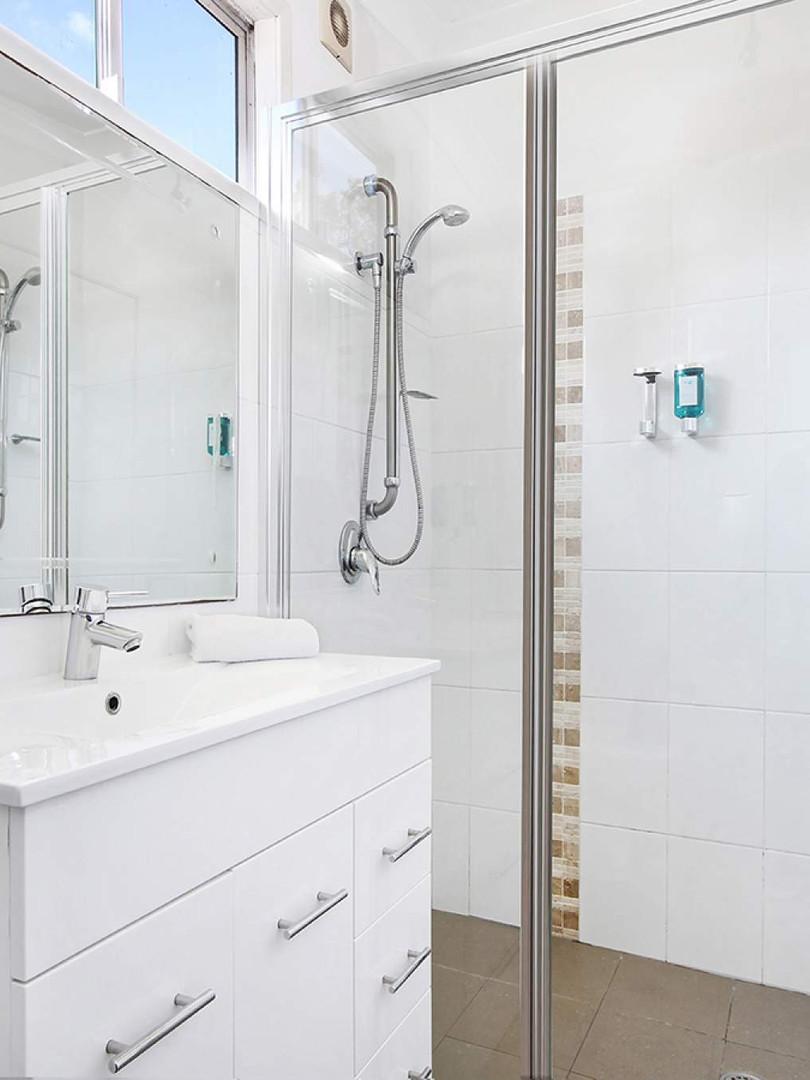 Love shack bathroom_1570679770-1800.jpg